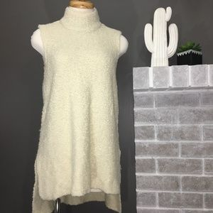 Tops - 🍂Cream White Fuzzy Turtleneck Sleeveless Tunic